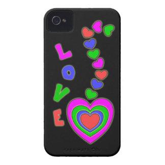 Caja negra del iPhone 4 de los corazones del amor Case-Mate iPhone 4 Protector