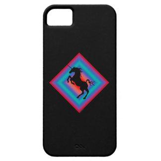 Caja negra del iPhone 5 del escudo del unicornio Funda Para iPhone 5 Barely There