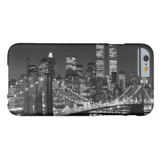Caja negra y blanca del iPhone 6 de New York City Funda De iPhone 6 Barely There