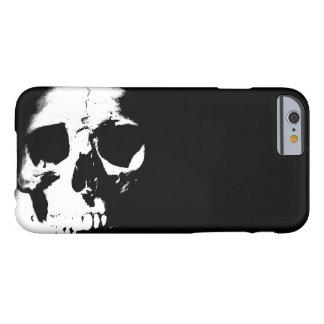 Caja negra y blanca del iPhone 6 del cráneo Funda Para iPhone 6 Barely There
