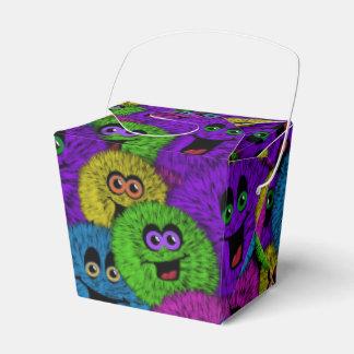 Caja para llevar del favor de las criaturas lindas cajas para detalles de boda