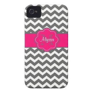 Caja personalizada Chevron gris oscuro y rosada de iPhone 4 Case-Mate Cárcasas