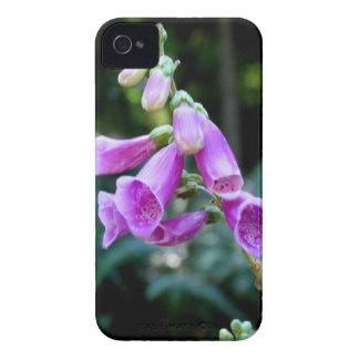 Caja púrpura de la flor del Foxglove para iPhone 4 Case-Mate Funda