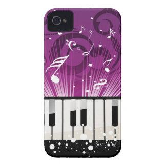 Caja púrpura de las notas musicales y de las llave