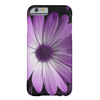 Caja púrpura del iPhone 6 de la flor de la Funda De iPhone 6 Barely There