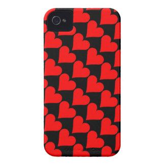 Caja roja negra de los corazones del amor iPhone 4 Case-Mate protector