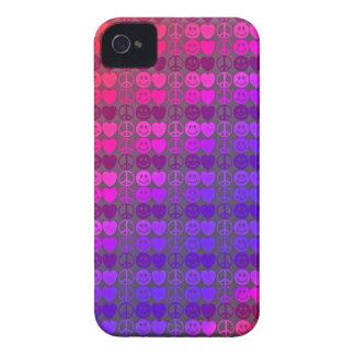 Caja sonriente de Blackberry del amor iPhone 4 Cárcasa