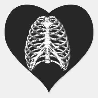 Caja torácica pegatina en forma de corazón