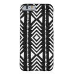 Caja tribal blanco y negro fresca del iPhone 6 del Funda De iPhone 6 Barely There