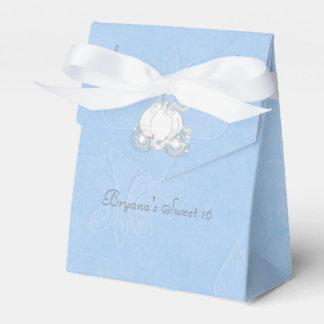 Cajas azules del favor de fiesta del carro de caja para regalos