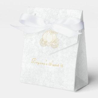 Cajas blancas del favor de fiesta del carro del cajas para regalos de boda