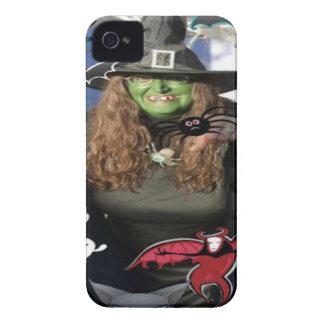 cajas de Blackberry de la bruja de Halloween iPhone 4 Protectores