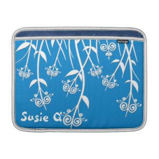 Cajas preciosas del azul de cielo y blancas y cubi fundas para macbook air