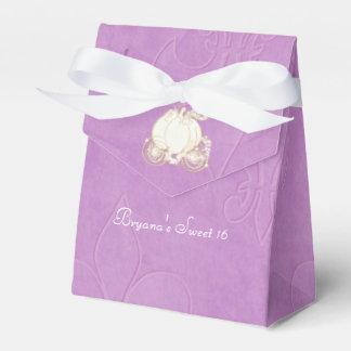 Cajas púrpuras del favor de fiesta del carro del caja para regalos