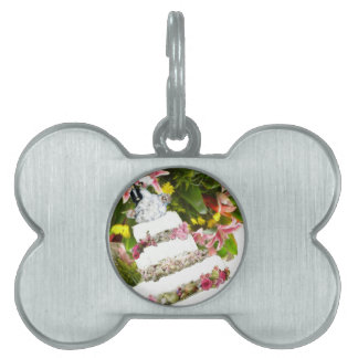 Cake with flowers in weddings pet ID tag