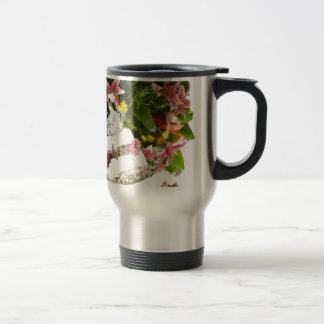 Cake with flowers in weddings travel mug