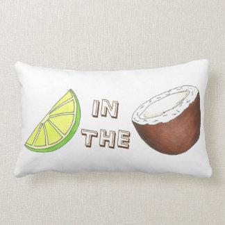 Cal en la almohada tropical de la fruta de la isla