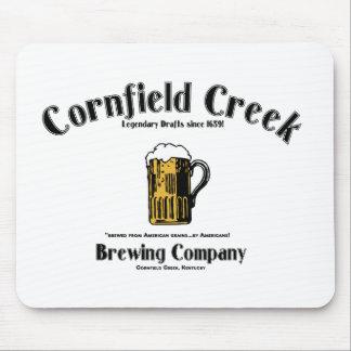 ¡Cala del campo de maíz que elabora cerveza el Co. Mouse Pad