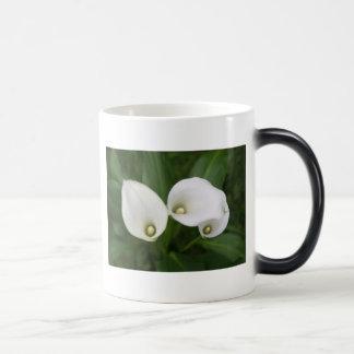 Cala Lilies Magic Mug