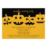 Calabaza de Halloween que talla invitaciones del f Invitación Personalizada