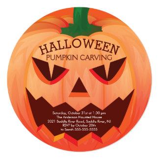 Calabaza de Halloween que talla la invitación del