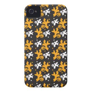Calabaza de Halloween y repetición linda del model iPhone 4 Case-Mate Cárcasas