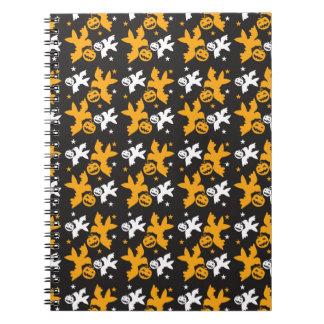 Calabaza de Halloween y repetición linda del model Cuaderno