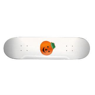 Calabaza del feliz Halloween con el gorra Skate Boards