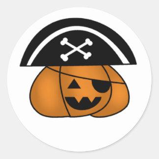 Calabaza del pirata pegatina redonda