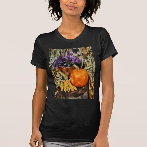 Calabaza, maíz y asteres camisetas