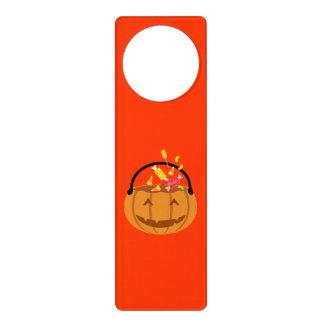Calabaza sonriente de Halloween que llena del Colgadores Para Puertas