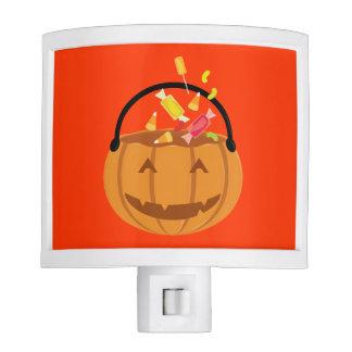 Calabaza sonriente de Halloween que llena del