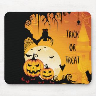 Calabazas asustadizas de Halloween y Luna Llena Tapetes De Raton