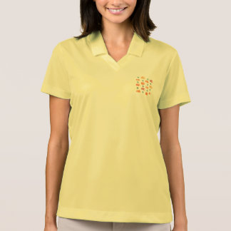 Calabazas con la camiseta del polo de las mujeres