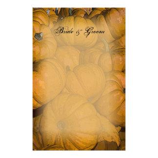 Calabazas de otoño anaranjadas que casan los efect papeleria de diseño
