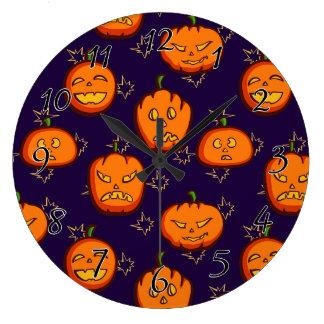 Calabazas fantasmagóricas de Halloween de la Reloj Redondo Grande