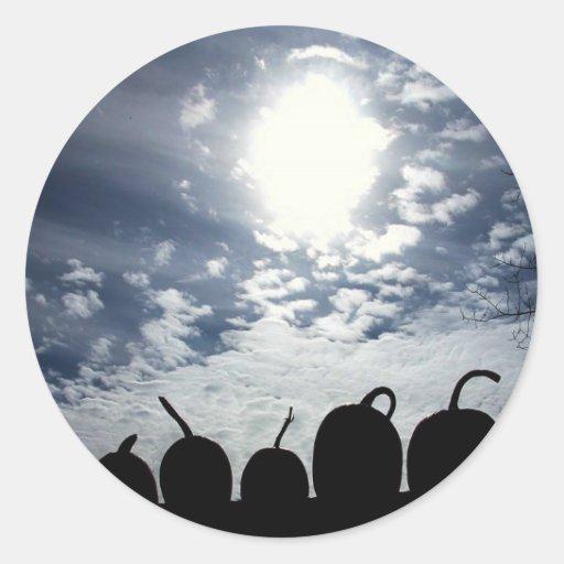 Calabazas y el cielo pegatina redonda