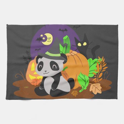 Calabazas y panda de Halloween Toalla