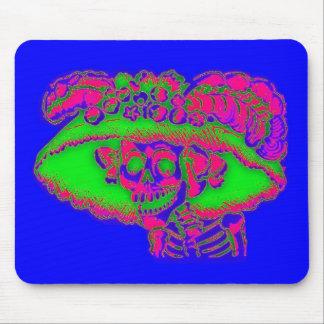 Calavera Catrina in color Mousepad
