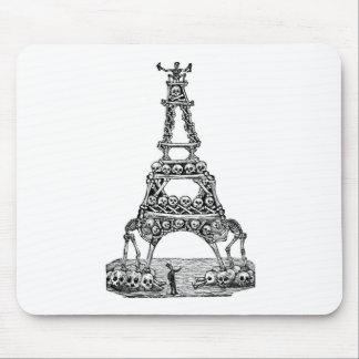 Calavera de la torre Eiffel C. último 1800's Tapete De Ratones