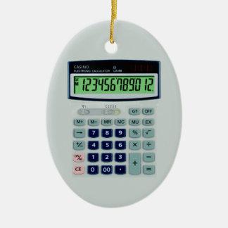 Calculadora simulada adorno navideño ovalado de cerámica