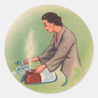 Caldera de té del ama de casa de los suburbios del pegatinas redondas