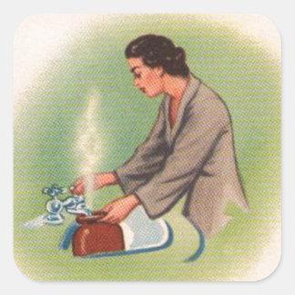 Caldera de té del ama de casa de los suburbios del pegatina cuadrada