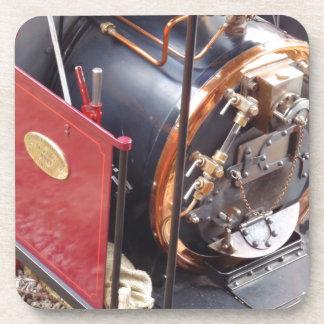 Caldera locomotora miniatura de vapor posavasos de bebida