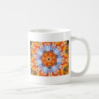 Caleidoscopio anaranjado de los lirios taza de café