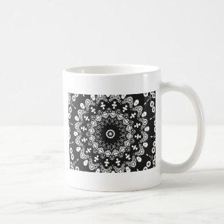 Caleidoscopio blanco y negro 3 taza