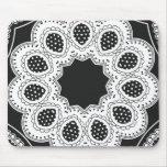 Caleidoscopio blanco y negro 4 tapetes de ratón