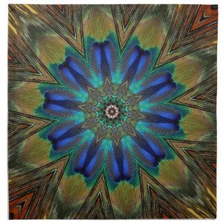 Caleidoscopio de la mandala de la pluma del pavo r servilleta imprimida
