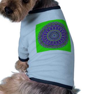 Caleidoscopio griego de las tejas con el verde de  ropa perro