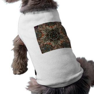 Caleidoscopio hecho girar colorido del vitral playera sin mangas para perro